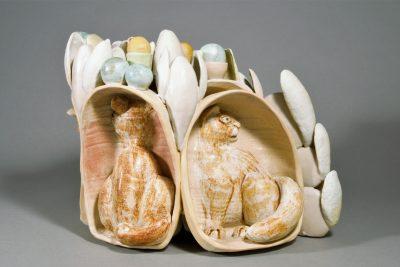 Beate Kuhn –Katzenversammlung Donaueschingen –2011, 25x35x30cm –Galerie Metzger Keramik Plastik Sculpture Art