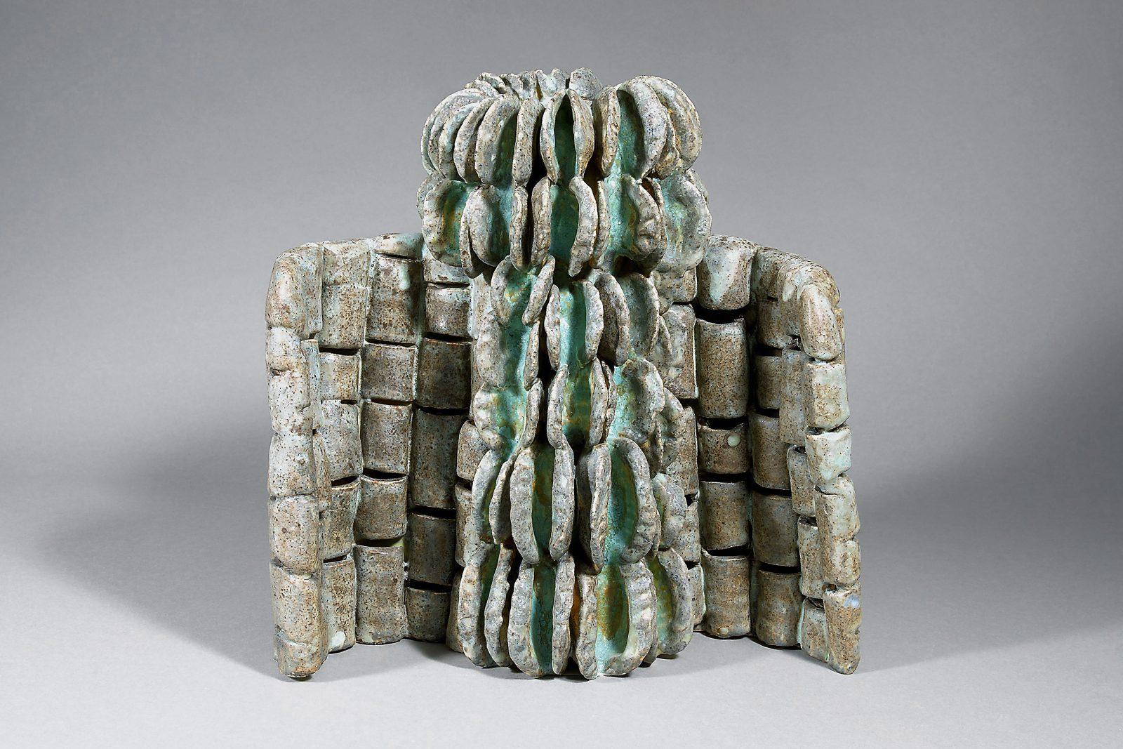 Beate Kuhn – Birnbaumstamm – 2013, 30x30x15cm – Galerie Metzger Gallery Kunst Keramik Plastik Art Ceramics Sculpture