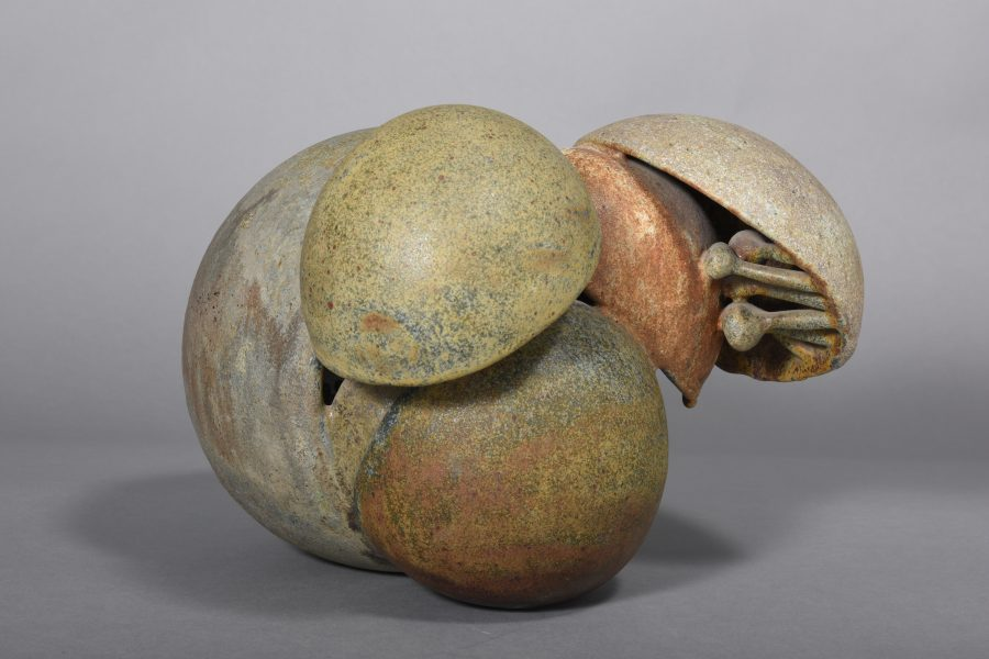 Beate-Kuhn-untitled-um 1990-24x27x30 cm