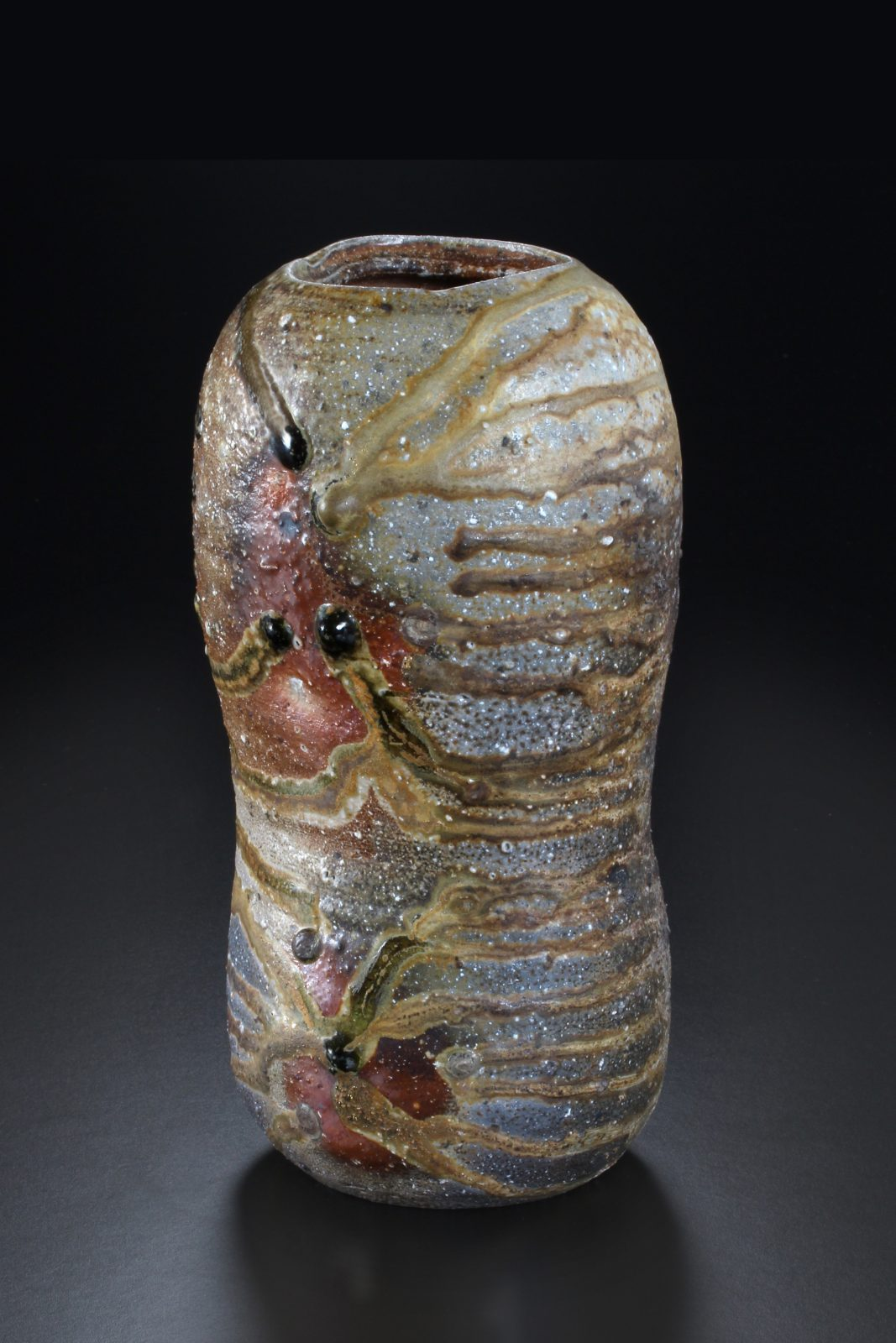 Uwe Löllmann –Gefäßform –h39cm, Holzbrand – Galerie Metzger Aschaffenburg Kunst Keramik angewandte Kunst Art Gallery Woodfiring