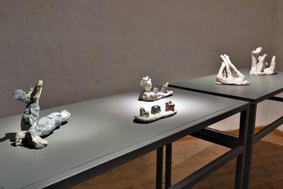 Hans Fischer –view into the exhibition –galerie metzger sculpture plasitsche arbeit bildhauer
