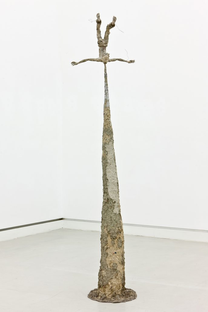 Michael Kalmbach –Kotzender –2008, Papiermaché Draht, 218x55x45cm –galerie metzger contemporary art aschaffenburg gallery