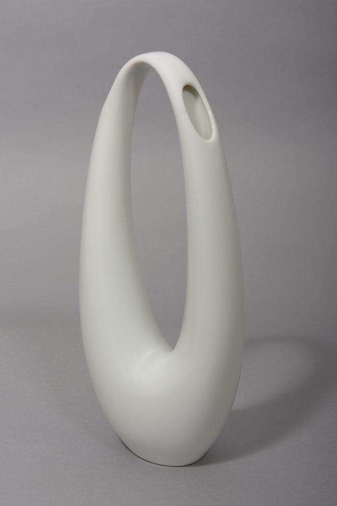 Beate Kuhn – Kummetvase – 28x13x8 cm –Rosenthal galerie metzger contemporary art design deutsche studio keramik gallery