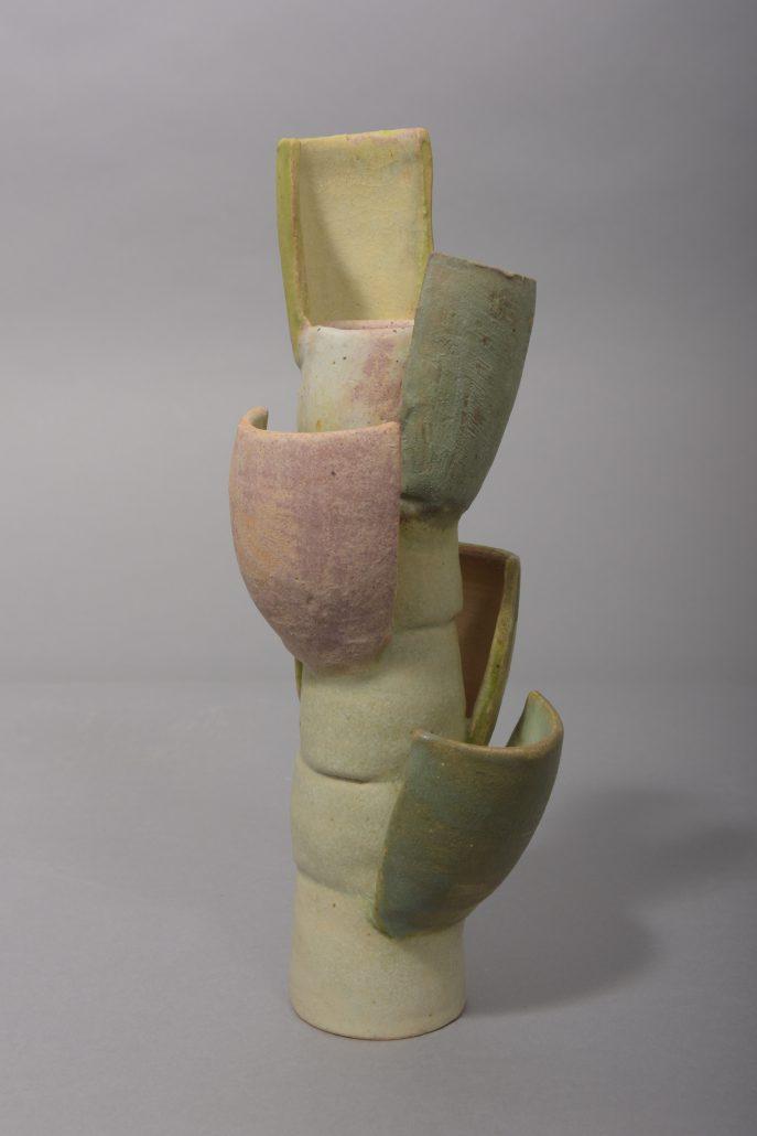 Beate Kuhn – ohne Titel – 2015, 23,7×9,5×9,5 cm –galerie-metzger deutsche studiokeramik – ceramic art gallery Anfrage zum Werk