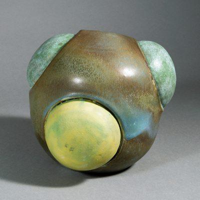 Beate Kuhn - Kugeln mit Fruchformen - 2012, 21x22x22 cm